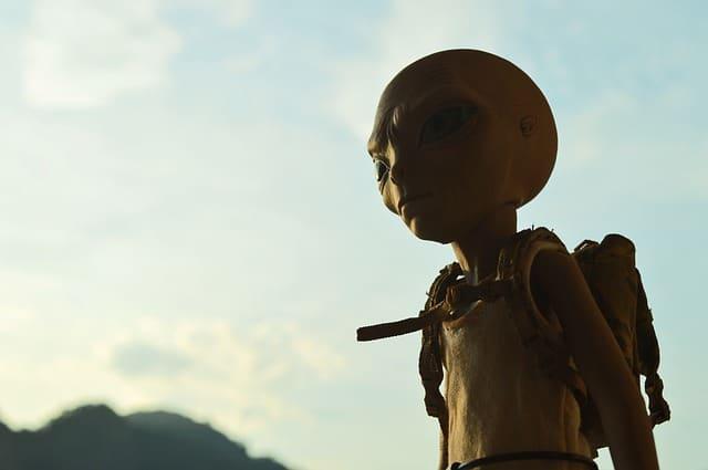 alien-667966_640