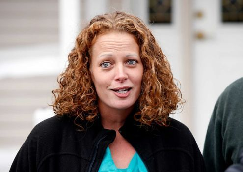 Kaci Hickox, Hero and Political Pawn