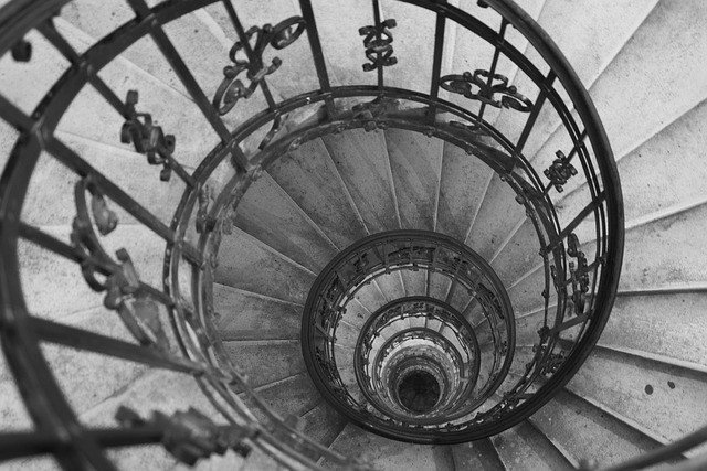 stairs-689625_640