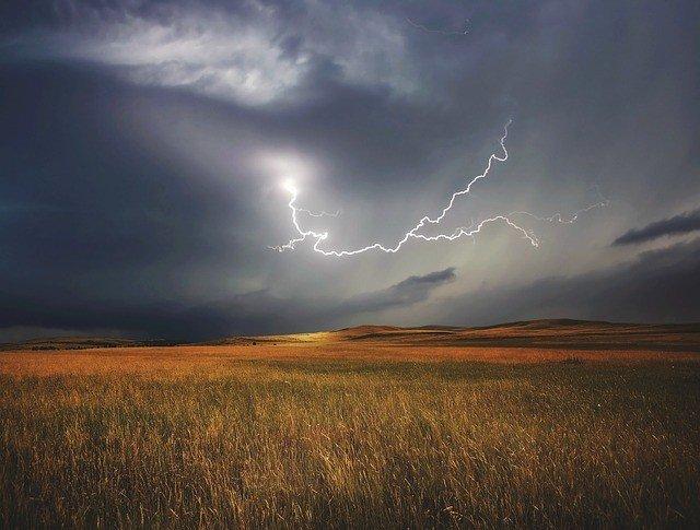 storm-730653_640
