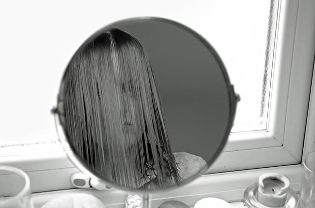 female-163758_640