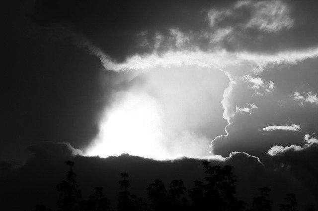 thunderstorm-242071_640