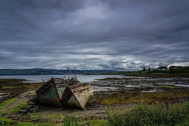 old-boat-1082146_640