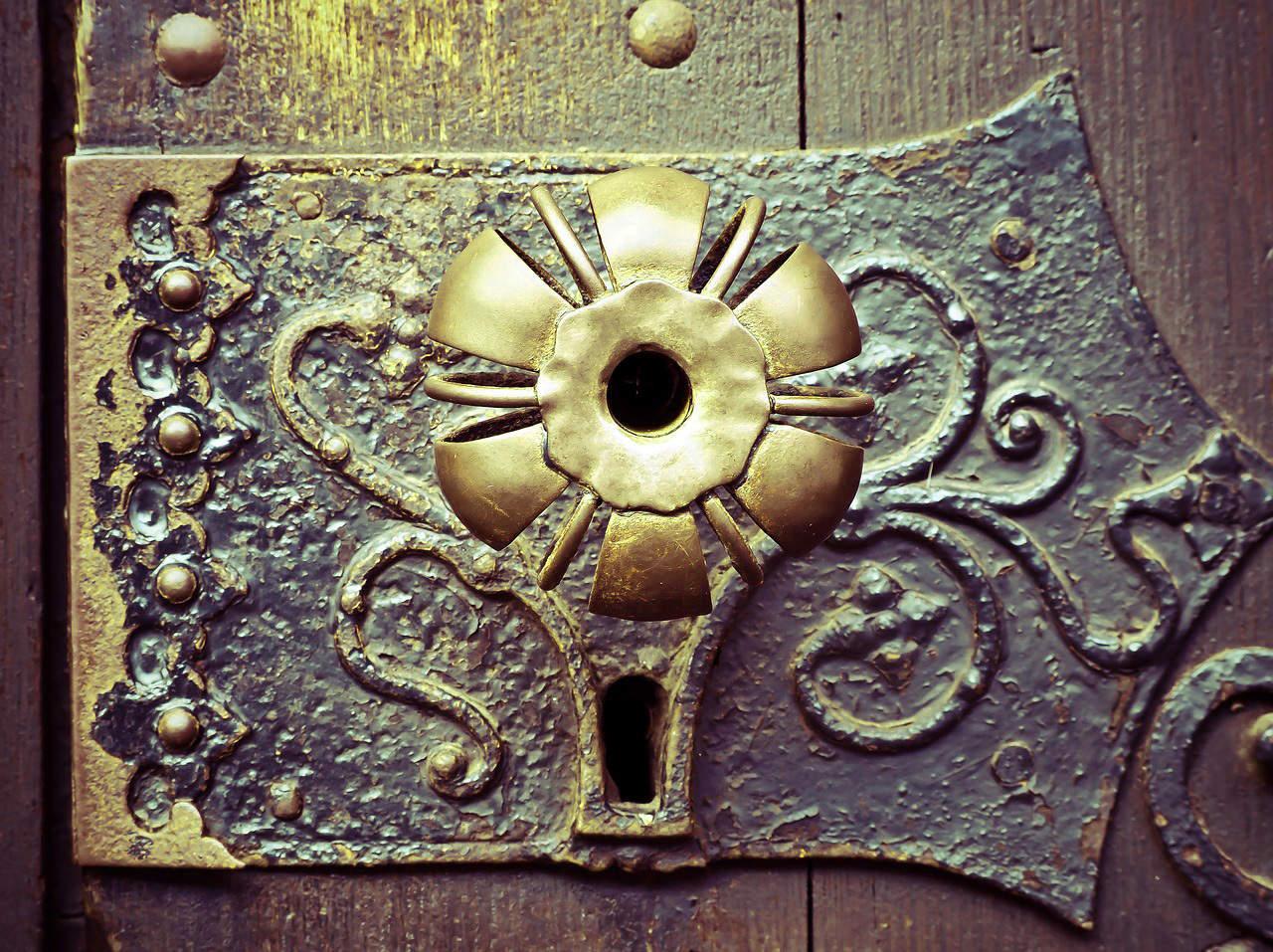 door-handle-1152242_1280