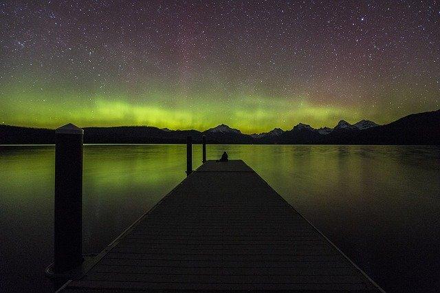 aurora-borealis-947413_640